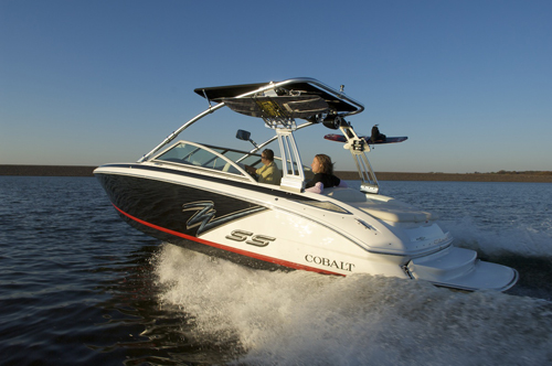 Cobalt 232WSS. Watersports Cool. Runabout Handy.
