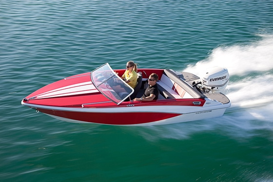 Glastron GT 160: Retro Runabout for 2012
