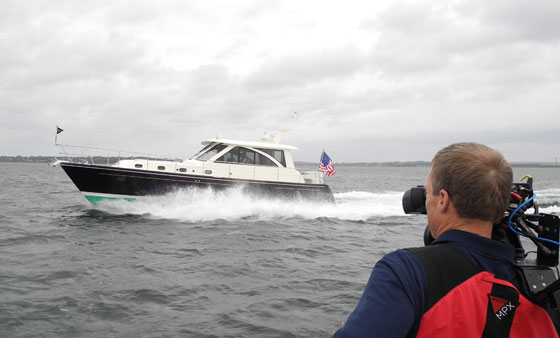 Hunt 44 Express Cruiser Boat Test Notes