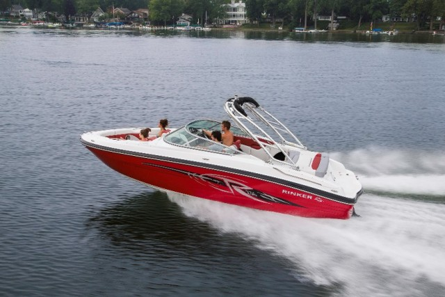 Rinker Captiva 236 BR: Bowrider For Family Fun
