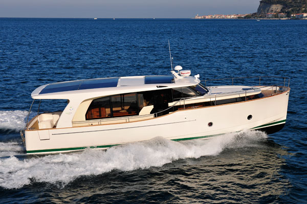 Greenline 40: Hybrid Power in a Cabin Cruiser