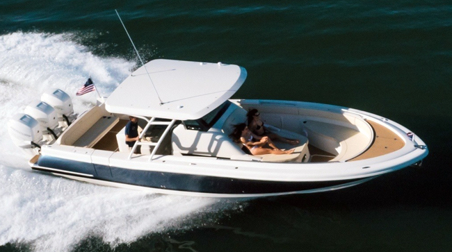 Chris-Craft Catalina 34: Decidedly Different
