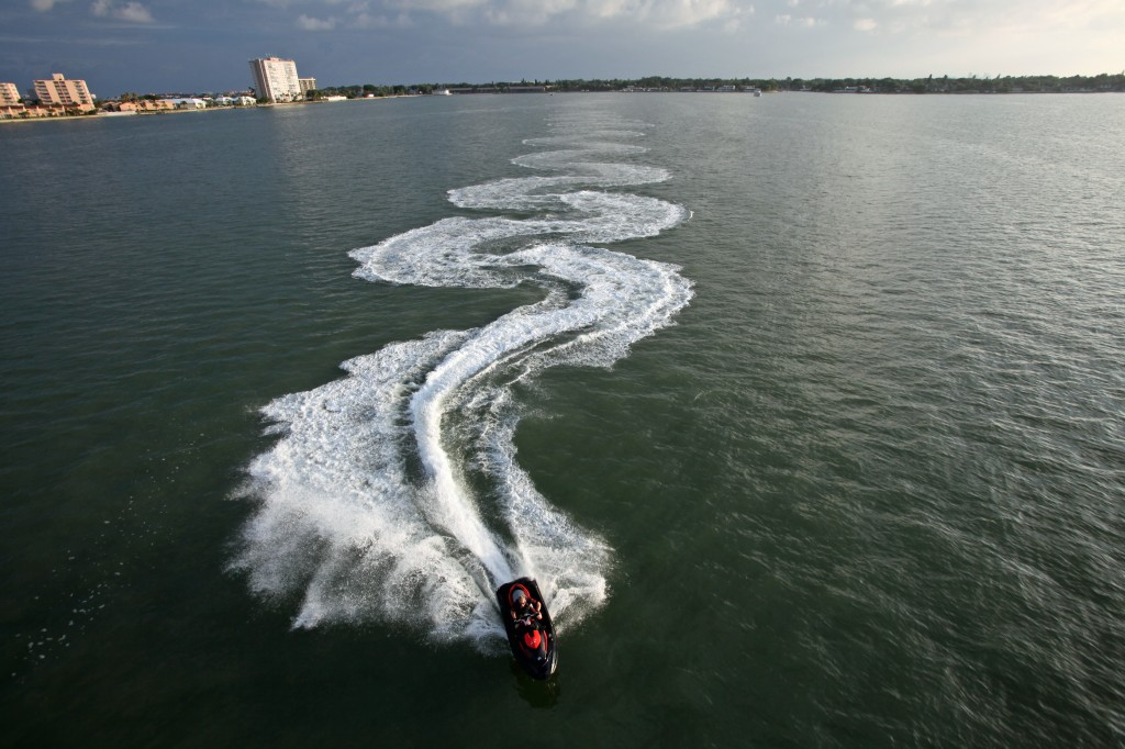 2010-sea-doo-rxt-x-watercraft-on-water-20-1024x682