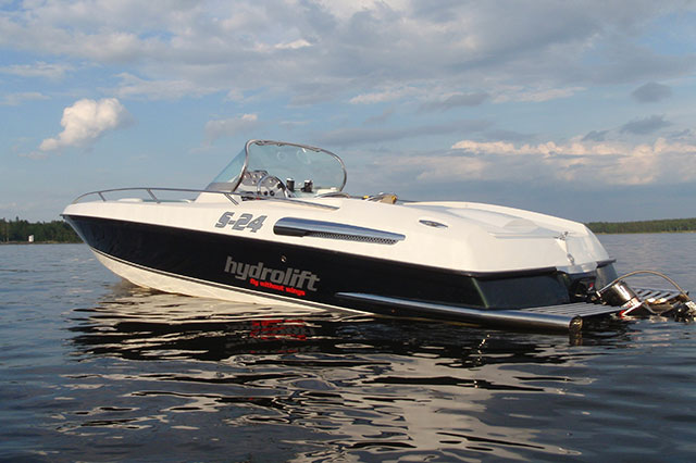 Powerboat bucket list: best boats to drive Hydrolift S24R