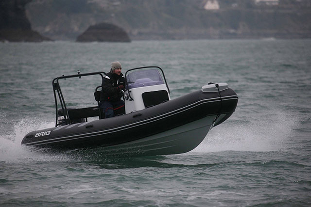 Brig Navigator 570 run right
