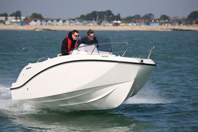 Quicksilver Activ Open: an ideal starter boat