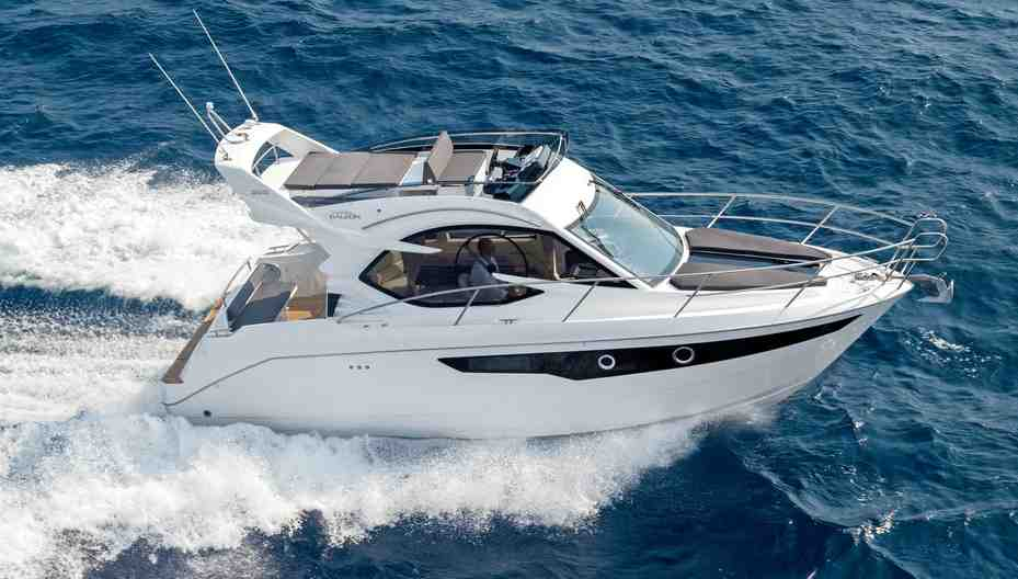 Galeon 300 Fly: 30ft family powerboats