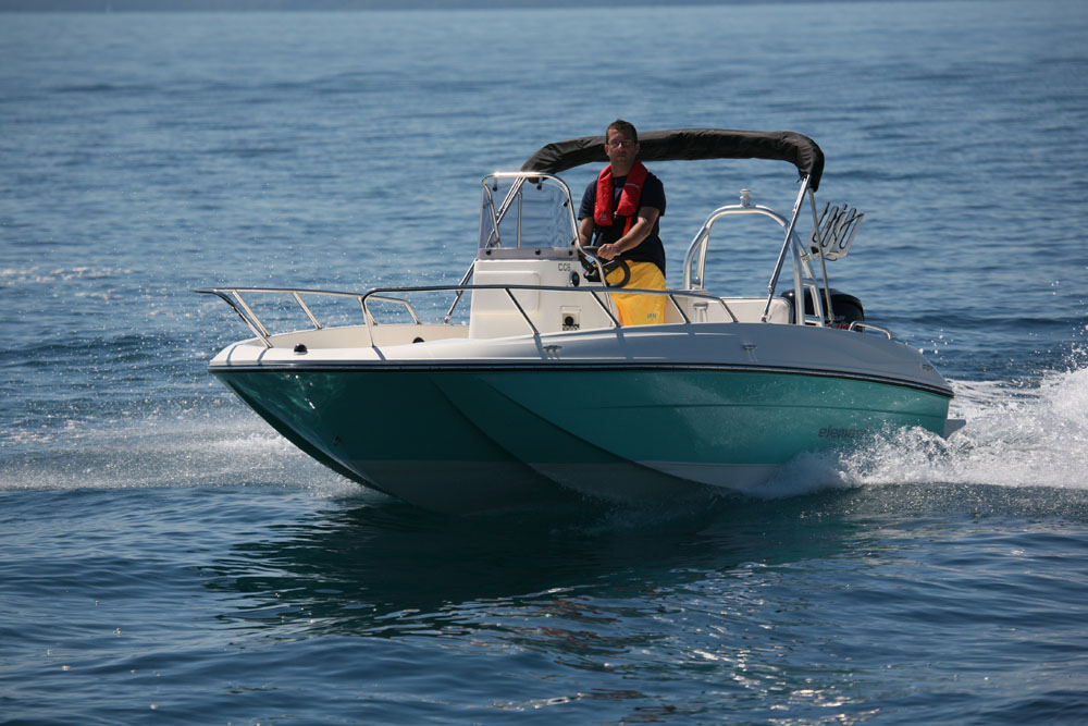 Bayliner Element: best first powerboats