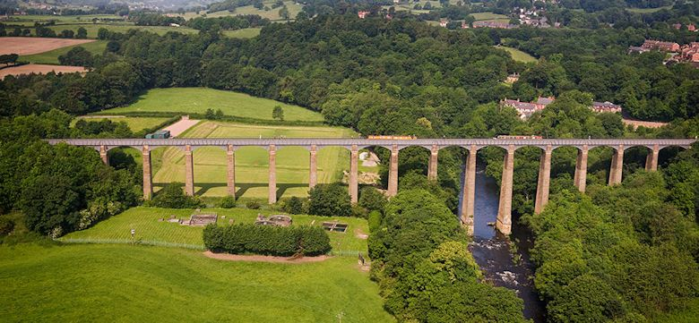 Pontcysyllte Aquaduct: UK canal holiday destinations