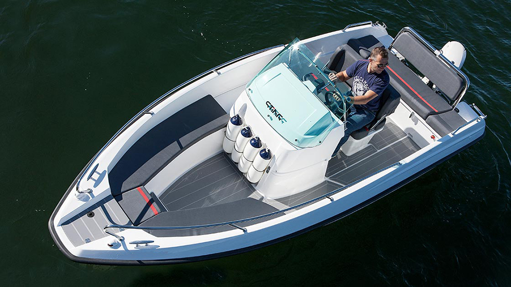 Budget powerboats: Sting 530