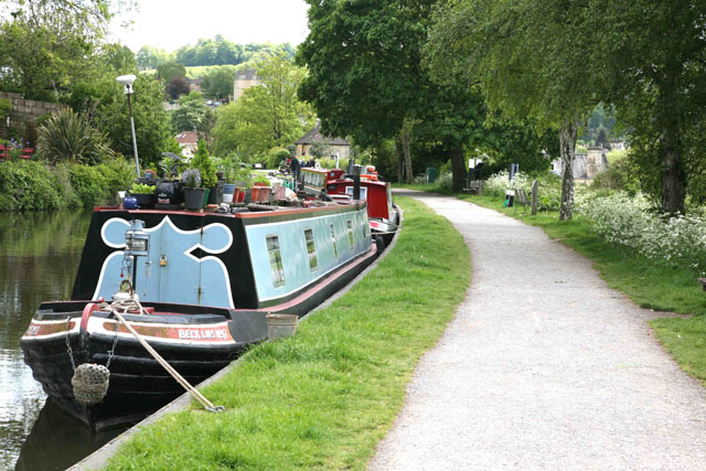 Finding a space – how to park a narrowboat