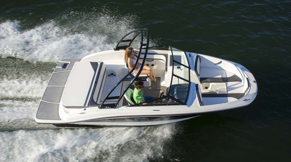 Sea Ray 19 SPX: best boats from the Southampton show