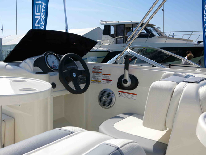 Bayliner Element: design tweaks on show at Cannes
