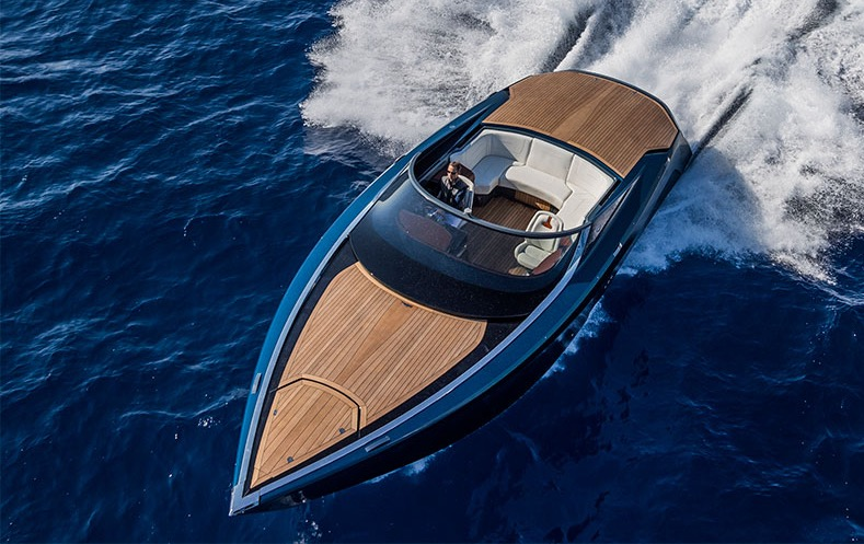 Aston Martin AM37 boat