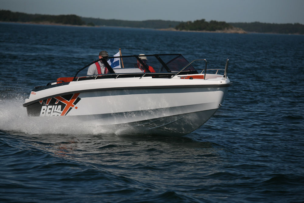 Bella 600 BR: best first powerboats