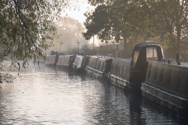 Canal licence fees frozen for 2013