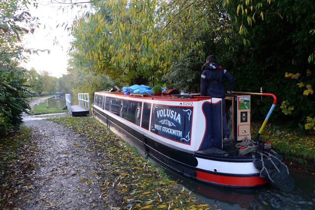 How to drive a narrowboat