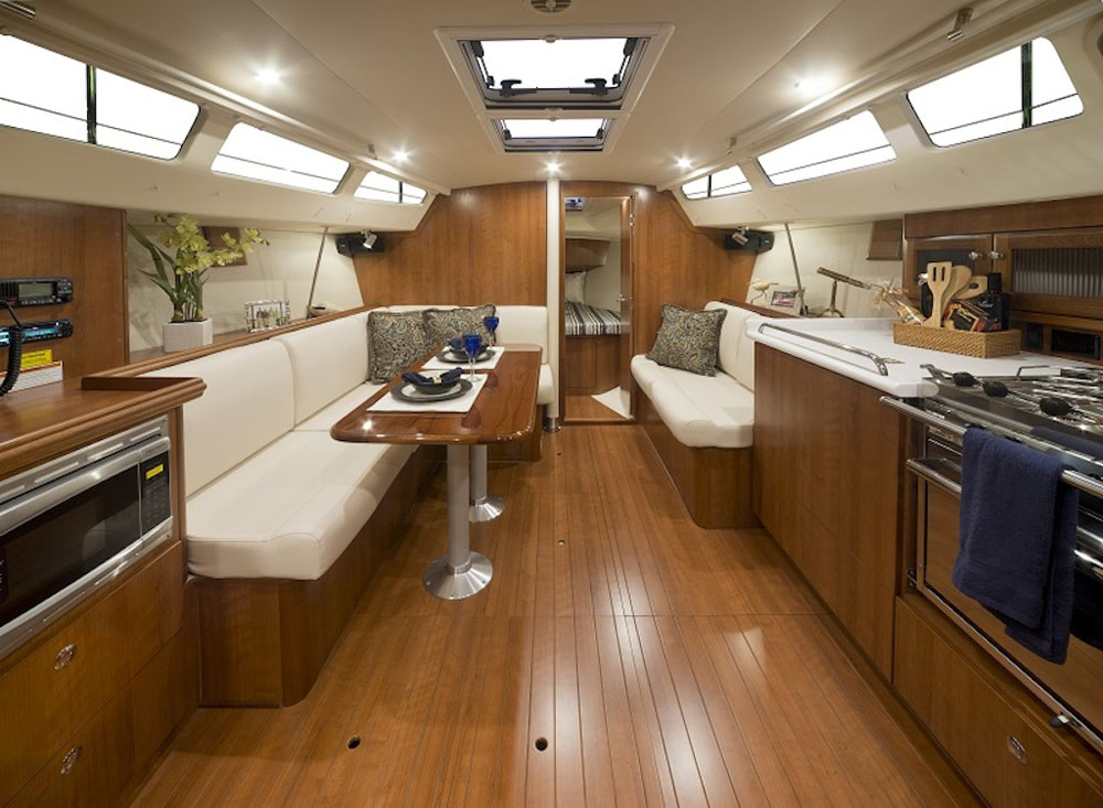 Saloon – Marlow Legend 31 review