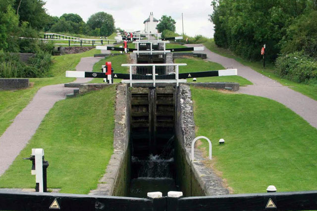 Olympic torch heads for Foxton Locks