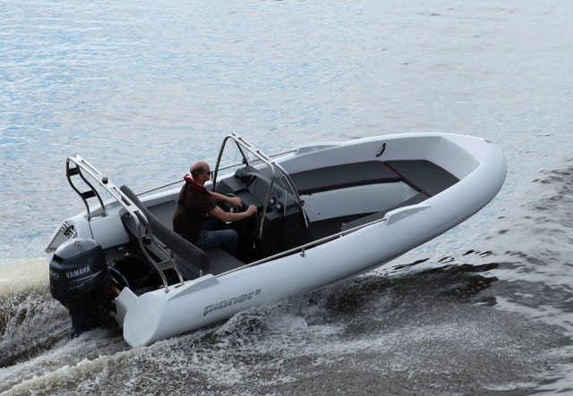 Pioner Flexi 17 - powerboats for under £20k