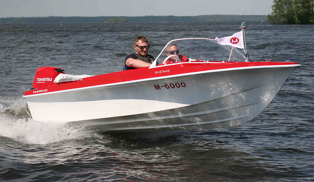 Retro powerboats: Marino mustang