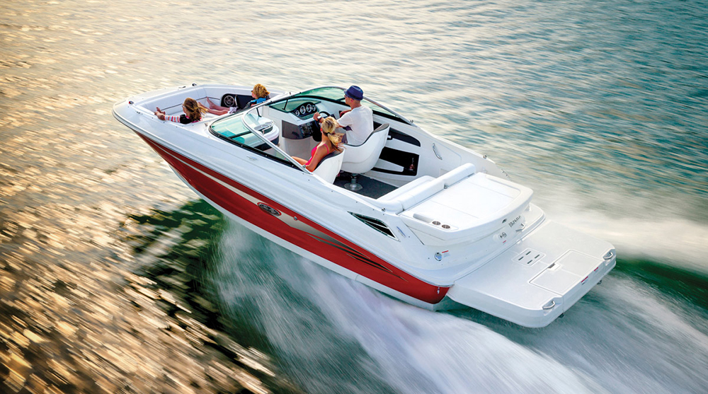 Deck Boats: Sea Ray SDX 220