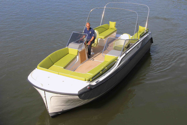 Interboat Neo 7 – party boat