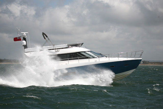 Sealine F48: new Flagship Flybridge