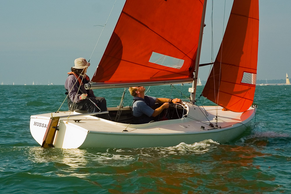 Learn to sail; sailing courses
