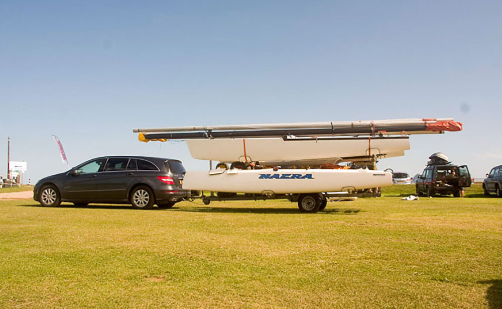 Boat transport: with smaller craft you can tow the boat yourself by car.