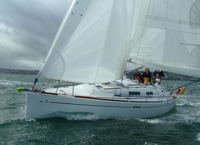 Performance cruising yacht in strong winds