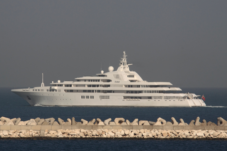 World's largest yachts: Dubai-photo-by-Ralf-Grabbert-TheYachtPhoto-1