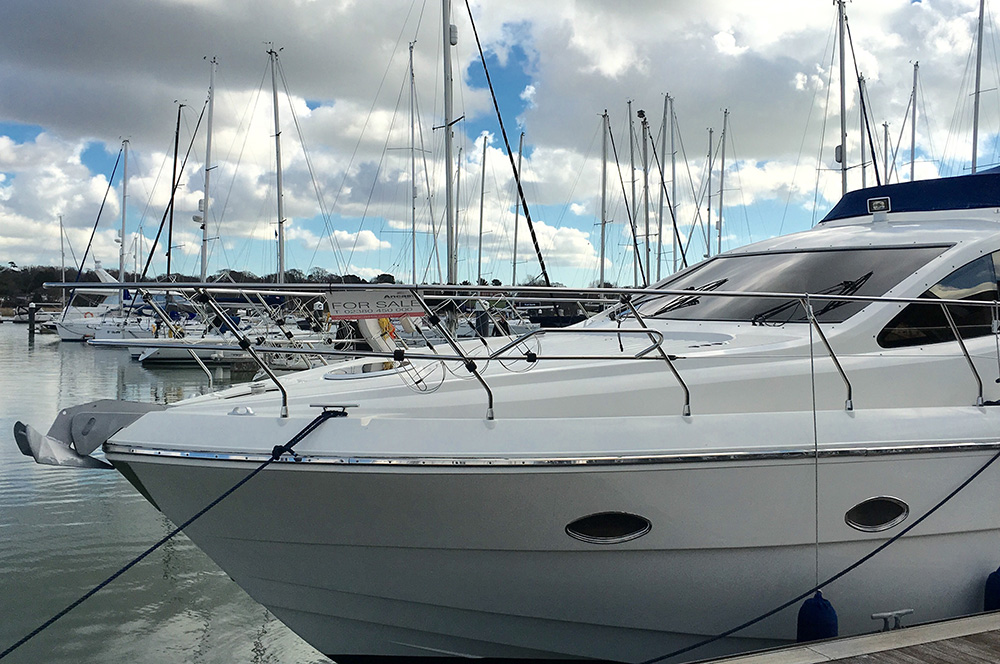sell my boat: broker or private sale