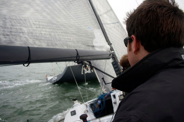 Sailing showing little tension in the leeward shrouds