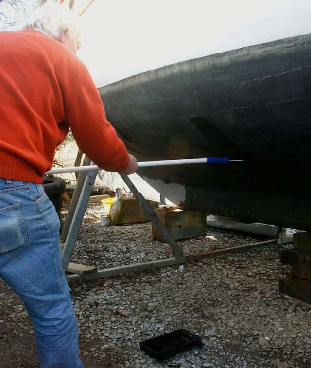 Applying antifouling with a roller