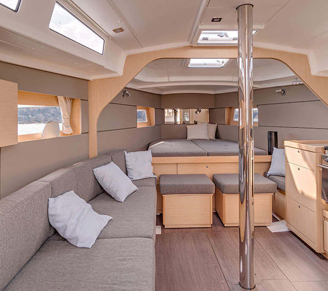Beneteau Oceanis 38 below decks