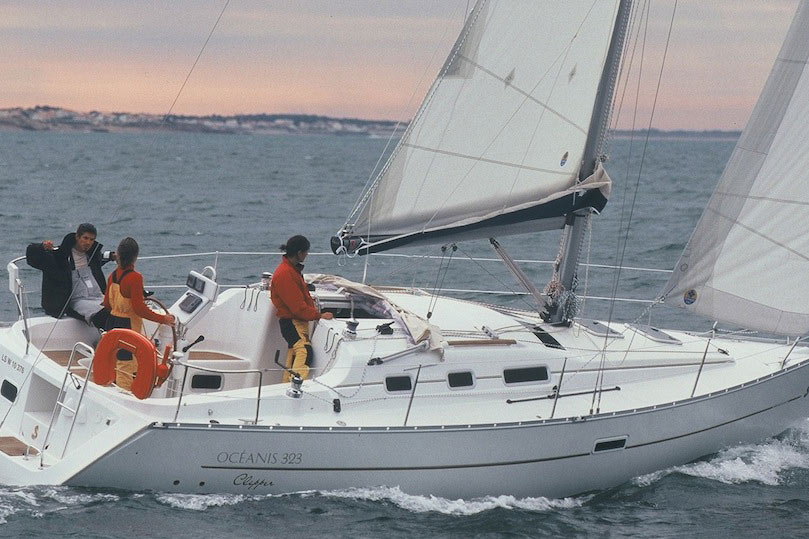 Beneteau Oceanis 323 review: preloved and proven