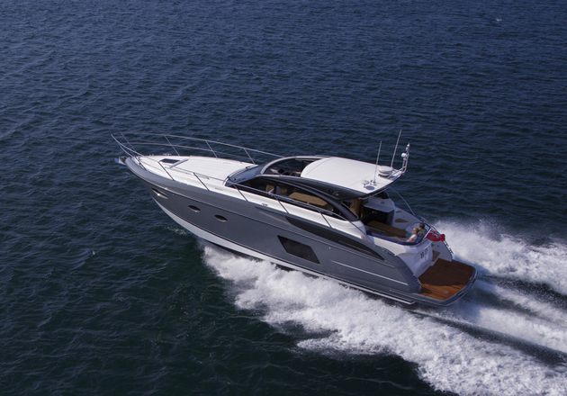 Princess V48: mid-sized IPS pod drive sports cruiser