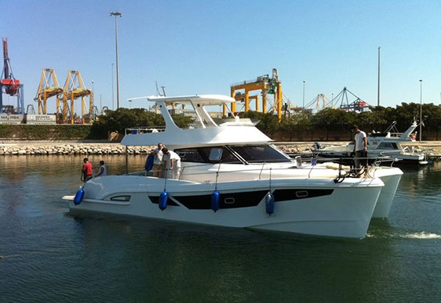 Flashcat 47 at Cannes Boat Show