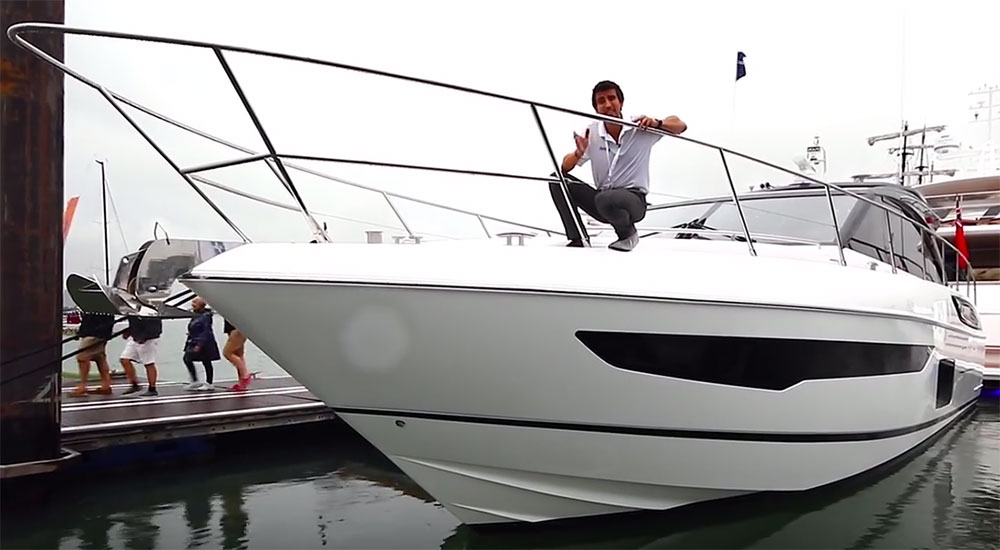 Princess V58 Deck Saloon video