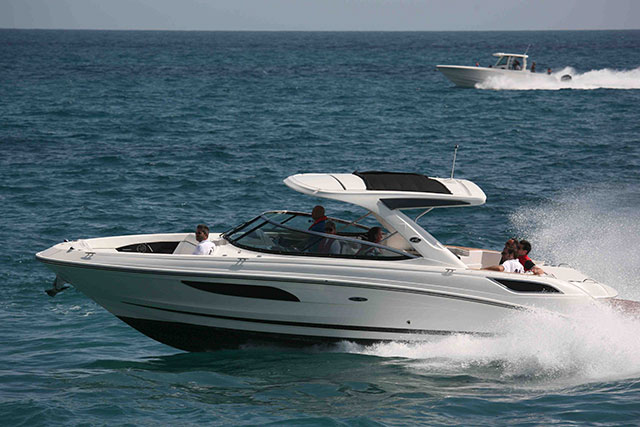 New Searay 350 and Boston Whaler Outrage put to the test