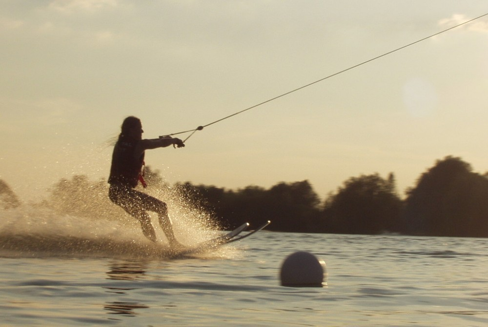 how to waterski