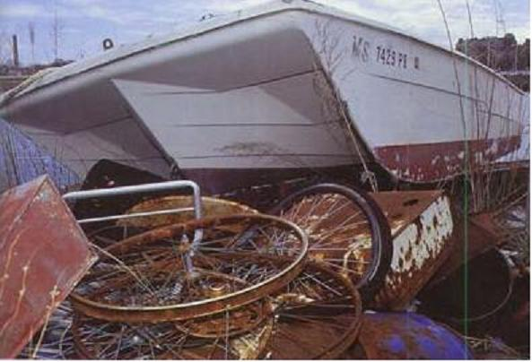 Fibreglass waste: how to properly dispose of an old fibreglass boat
