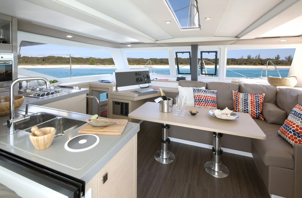 Fountaine Pajot Lucia 40 cabin
