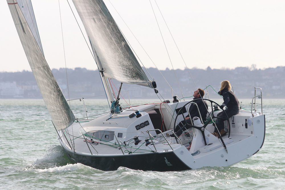shorthanded sailing J/112