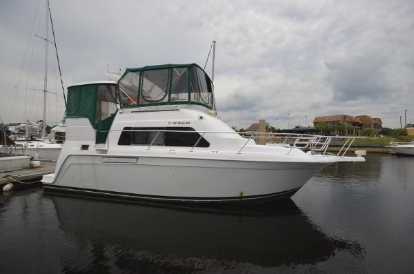 Mainship 34 Motor Yacht Used Boat Review