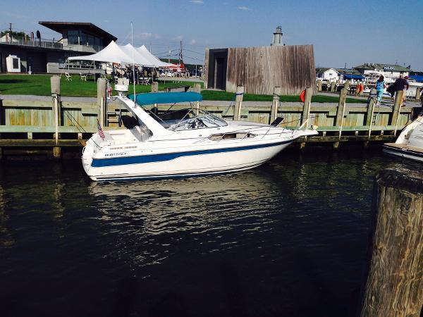 Monterey 286 Express Cruiser Used Boat Review