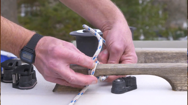 tying a clove hitch