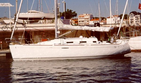 Beneteau First 36.7: Son of a Beachball