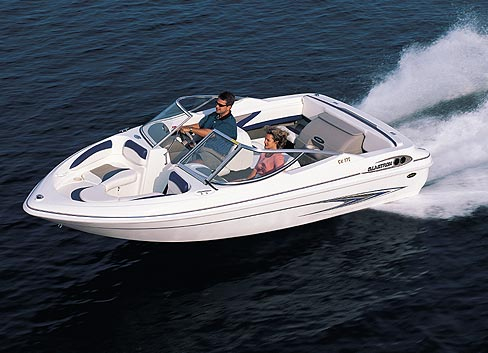 Commonly called a bowrider, an open-bow runabout offers plenty of passenger space, is trailerable and is ideal for general recreational boating.(Photo courtesy Glastron)